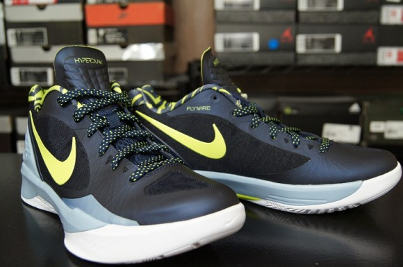 check out f7dae eee15 First-Impression-Nike-Zoom-Hyperdunk-2011-Low-5 - WearTesters