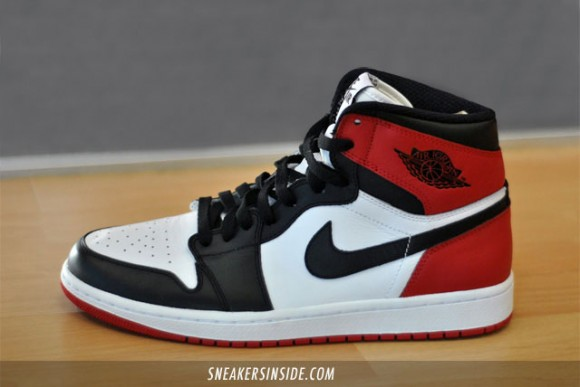 Air-Jordan-I-(1)-Retro-High-'Black-Toe'-2013-2