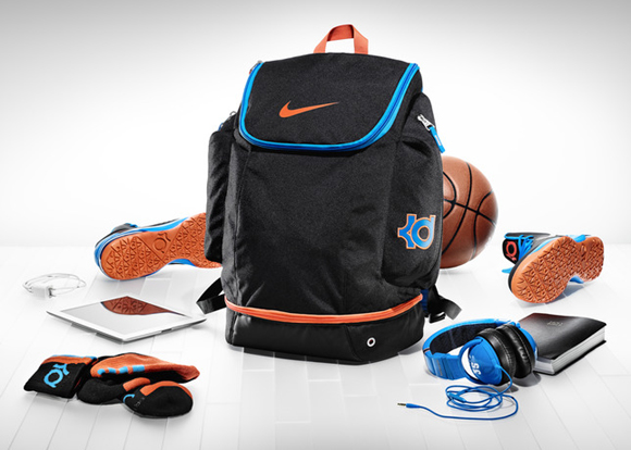 Inside-Access-Kevin-Durant's-Backpack-Revealed-1