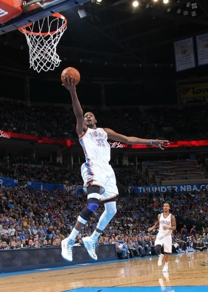 Kevin-Durant-gets-First-Triple-Double-in-Nike-KD-V-(5)-3