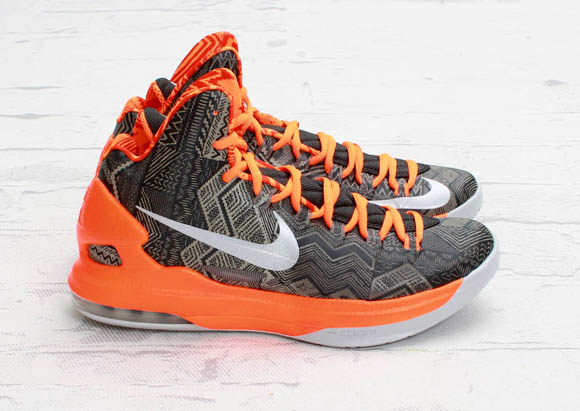 Nike-Basketball-Black-History-Month-2013-Detailed-Look-8