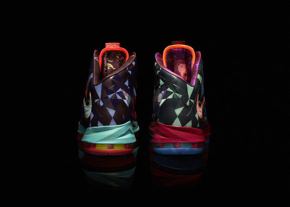 Nike-Marks-LeBron-James's-Most-Valuable-Player-Title-with-Nike-LeBron-X-Shoe-3