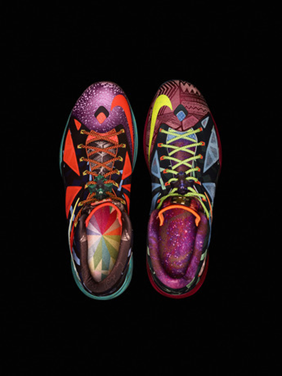 Nike-Marks-LeBron-James's-Most-Valuable-Player-Title-with-Nike-LeBron-X-Shoe-4