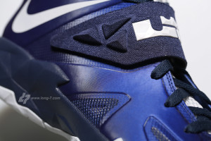 Nike Zoom Soldier VII Deep Royal Pure Platinum - Medium Navy - Detailed Look 7