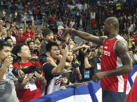 LEBRON JAMES VISITS PHILIPPINES FOR FIRST TIME ON NIKE BASKETBALL TOUR 4