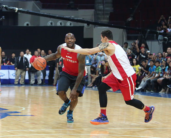 LEBRON JAMES VISITS PHILIPPINES FOR FIRST TIME ON NIKE BASKETBALL TOUR 5