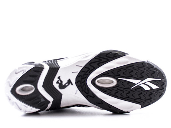 Reebok Shaqnosis - Available for Pre-Order 5