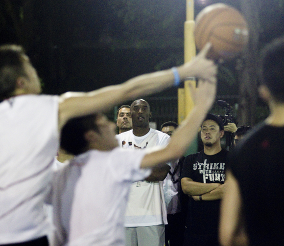 NIKE HOSTS KOBE BRYANT ON TOUR TO INSPIRE YOUNG ATHLETES11