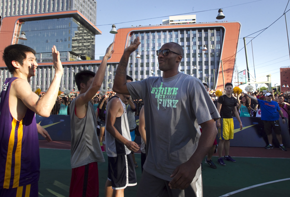 NIKE HOSTS KOBE BRYANT ON TOUR TO INSPIRE YOUNG ATHLETES12