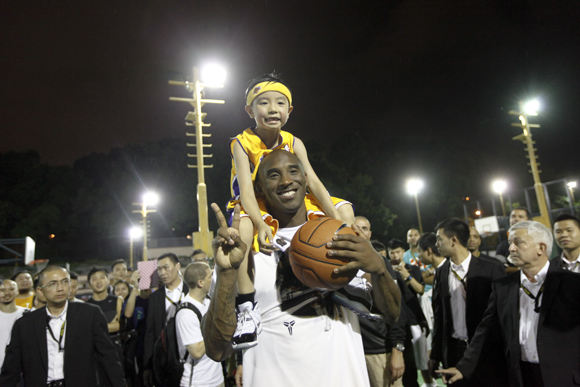 NIKE HOSTS KOBE BRYANT ON TOUR TO INSPIRE YOUNG ATHLETES6