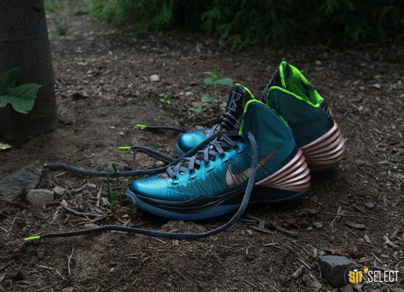Nike Hyperdunk 2013 Kyrie Erving PE - Up Close & Personal 1