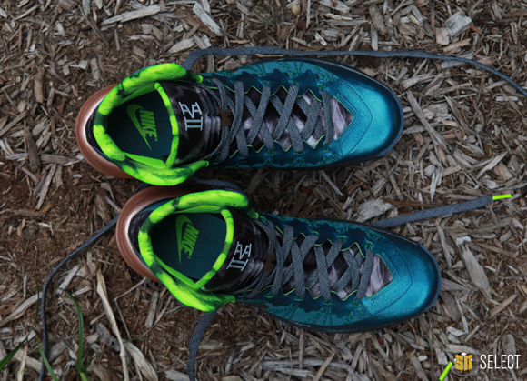 Nike Hyperdunk 2013 Kyrie Erving PE - Up Close & Personal 10