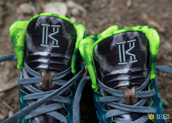 Nike Hyperdunk 2013 Kyrie Erving PE - Up Close & Personal 14