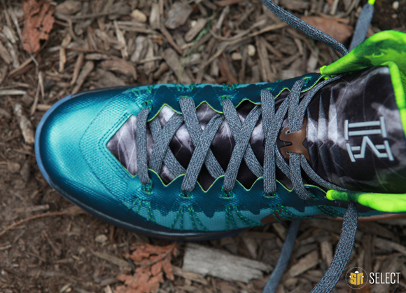 Nike Hyperdunk 2013 Kyrie Erving PE - Up Close & Personal 16