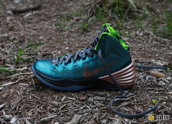 Nike Hyperdunk 2013 Kyrie Erving PE - Up Close & Personal 2