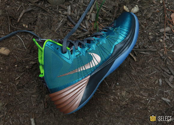 Nike Hyperdunk 2013 Kyrie Erving PE - Up Close & Personal 7