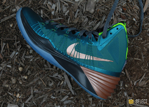 Nike Hyperdunk 2013 Kyrie Erving PE - Up Close & Personal 8
