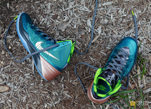 Nike Hyperdunk 2013 Kyrie Erving PE - Up Close & Personal 9
