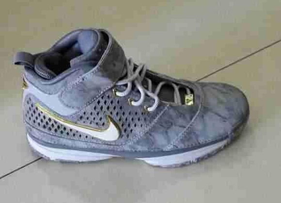 Nike Kobe 2 Retro 1