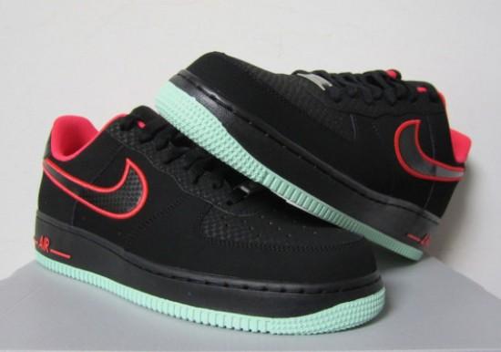 Nike Air Force 1 Low – Black – Laser Crimson – Arctic Green 1