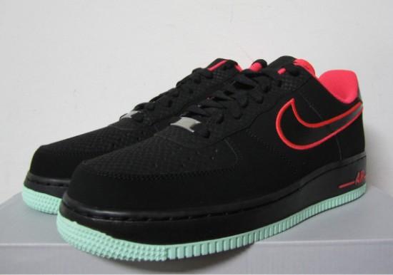 Nike Air Force 1 Low – Black – Laser Crimson – Arctic Green 2