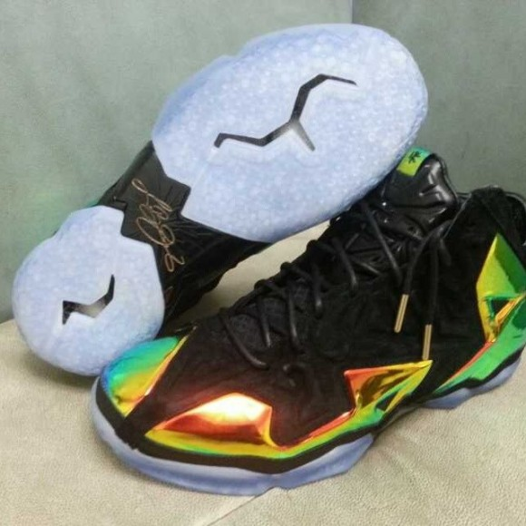 Nike LeBron 11 EXT 'King's Crown' - Detailed Look 3