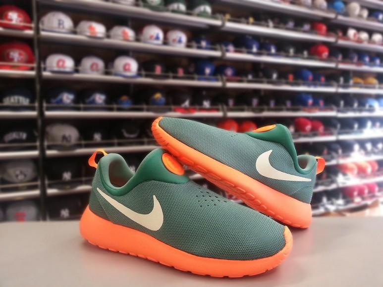 Nike Roshe Run Slip-On; Now available 2