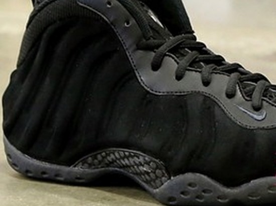 nike-air-foamposite-one-black-suede-sample