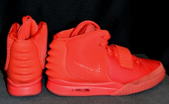 nike-air-yeezy-2-red-october-lead-620×382