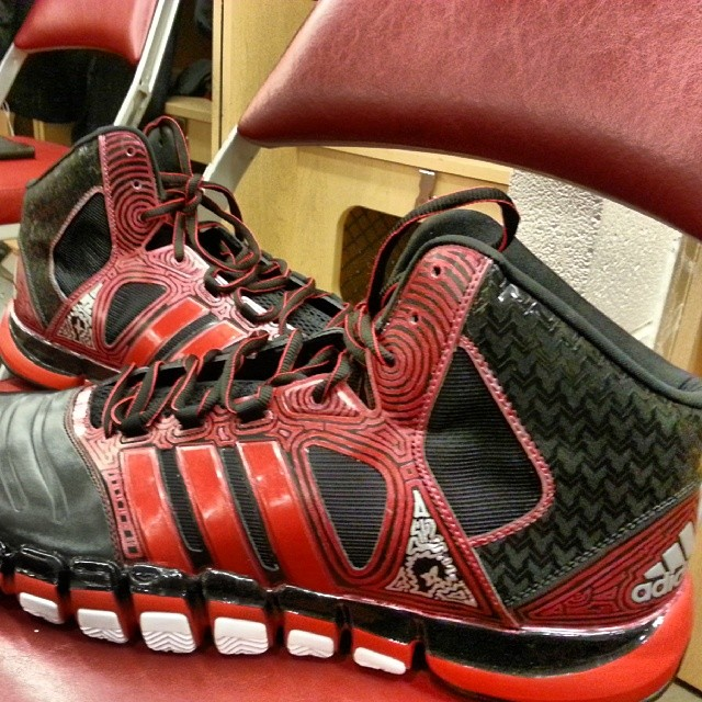 robin lopez shoes2