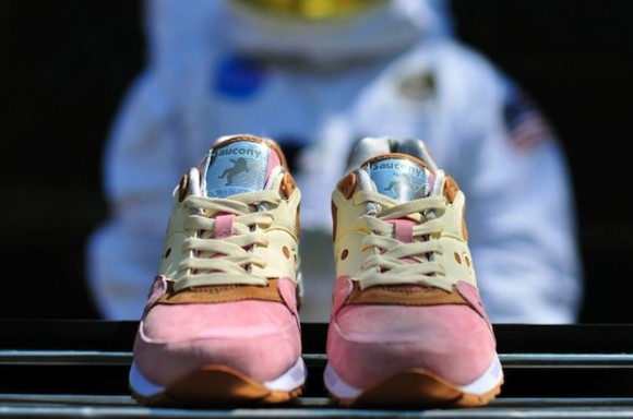 Extra-Butter-x-Saucony-Shadow-Master-Space-Snack-Release-Information-1