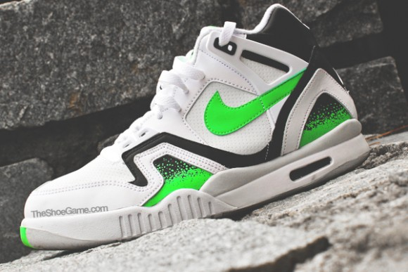 Nike Air Tech Challenge II 'Poison Green' - Detailed Look 1