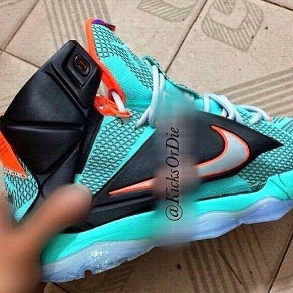 Nike LeBron 12 Sample – Another Look