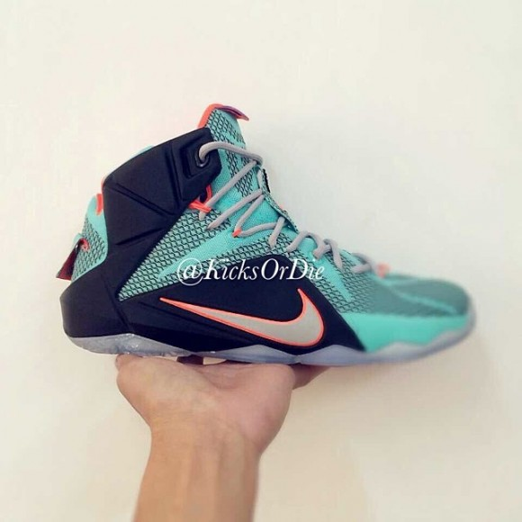 Nike LeBron 12 Sample – Closer Look 1