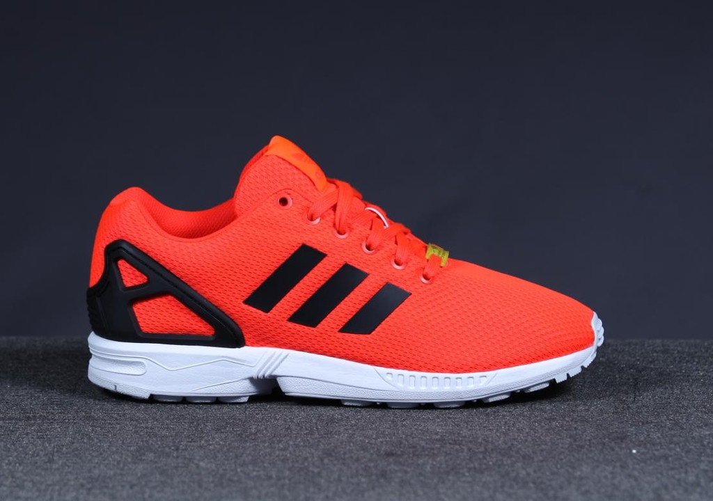 sports shoes b2dd7 12e96 adidas ZX Flux