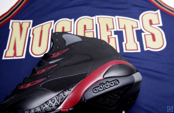 adidas-mutombo-2-exclusive-sole-collector-nuggets