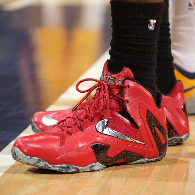 lebron11elite red