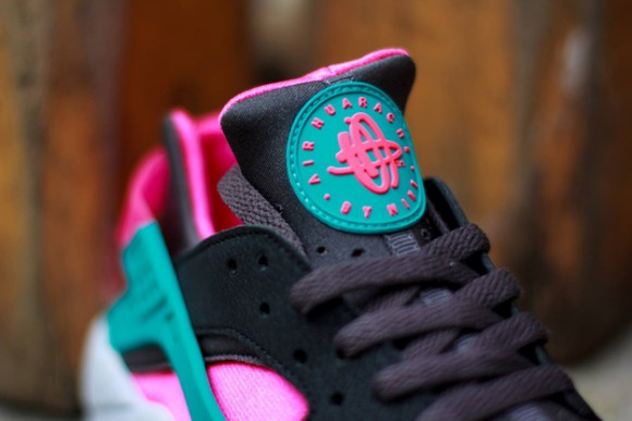 First Look- Nike Air Huarache Hyper Pink:Dusty Cactus 4