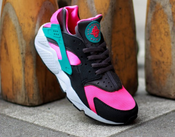 First Look- Nike Air Huarache Hyper Pink:Dusty Cactus