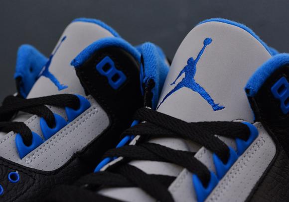 Air Jordan 3 Retro 'Sport Blue' – Up Close & Personal 6