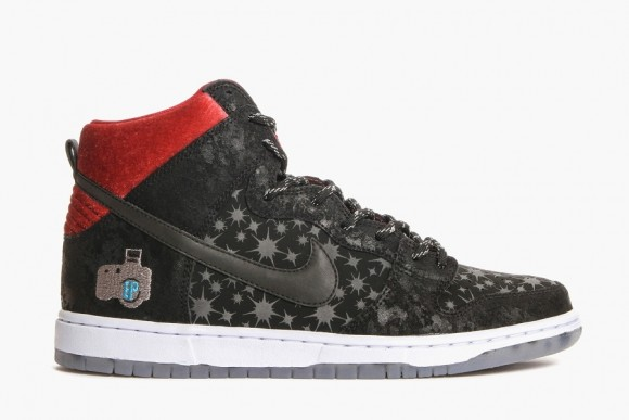brooklyn-projects-nike-sb-dunk-paparazzi-01
