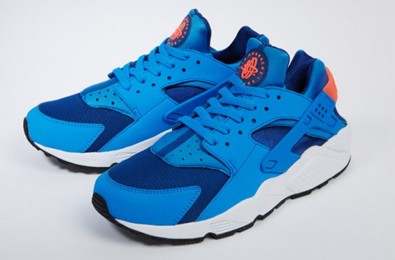 nike-air-huarache-blue-mango-07-565×372