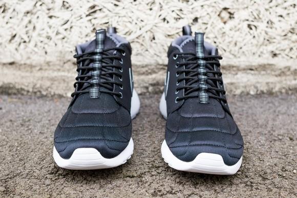 Nike Roshe Run Mid Black: Dark Grey 3