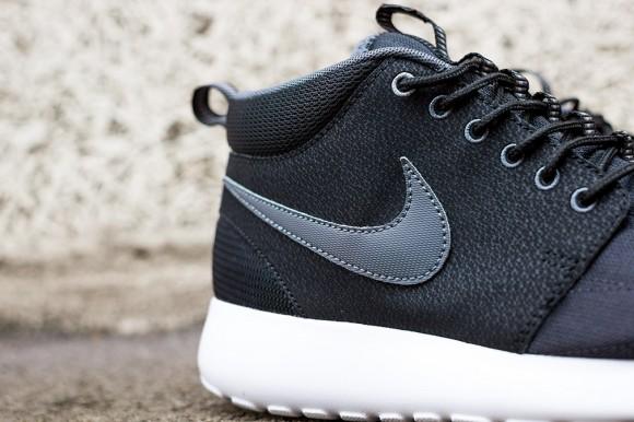 Nike Roshe Run Mid Black: Dark Grey 6