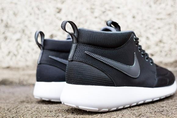 Nike Roshe Run Mid Black: Dark Grey 7