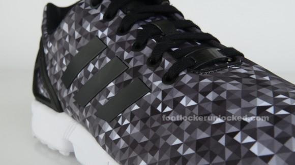 adidas ZX Flux 'Monochrome Prism' 3