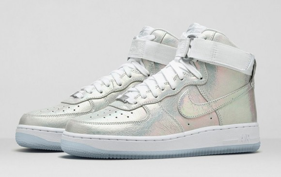 wmns-nike-iridescent-collection-4