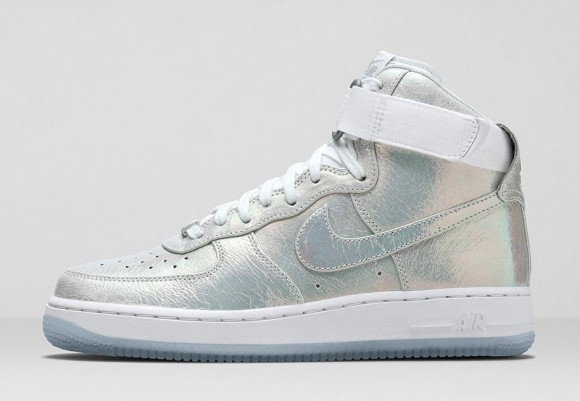 wmns-nike-iridescent-collection-5