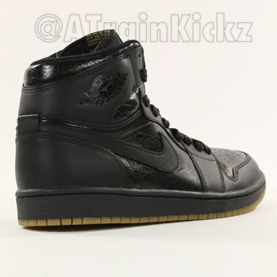 Air Jordan 1 Retro High OG Black: Gum - First Look2