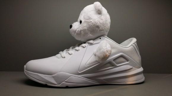 Metta World Peace's New Panda Sneakers2